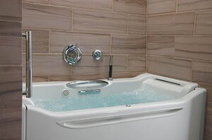 Kohler Elevance Rising Wall Bath