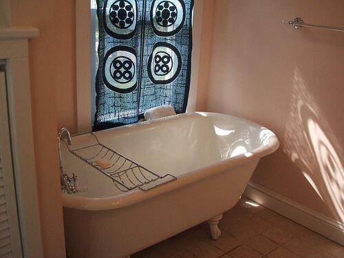 Repaint An Existing Clawfoot Bathtub